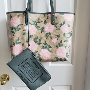 Authentic NWT Reversible Coach large tote & bag